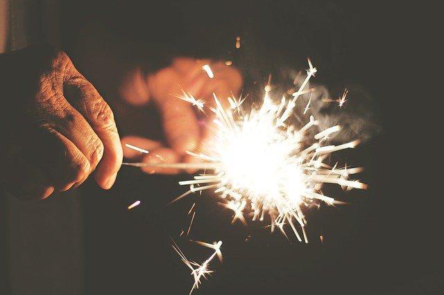 sparks-407702_640