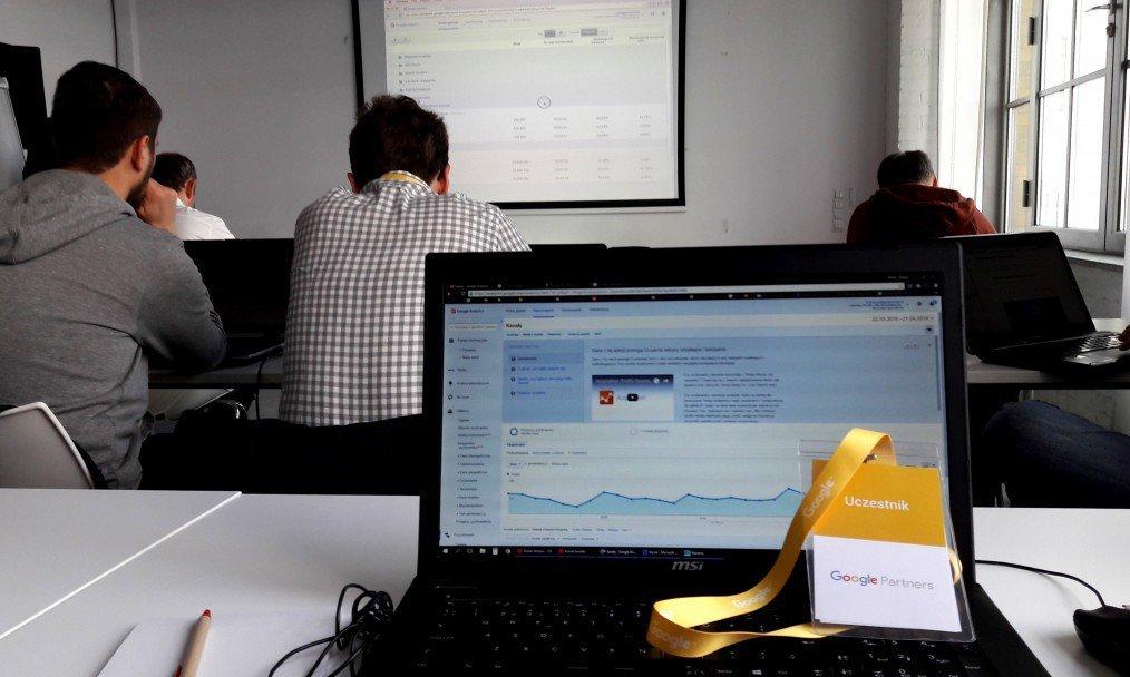 Relacja ze szkolenia Google Analytics dla Partnerów