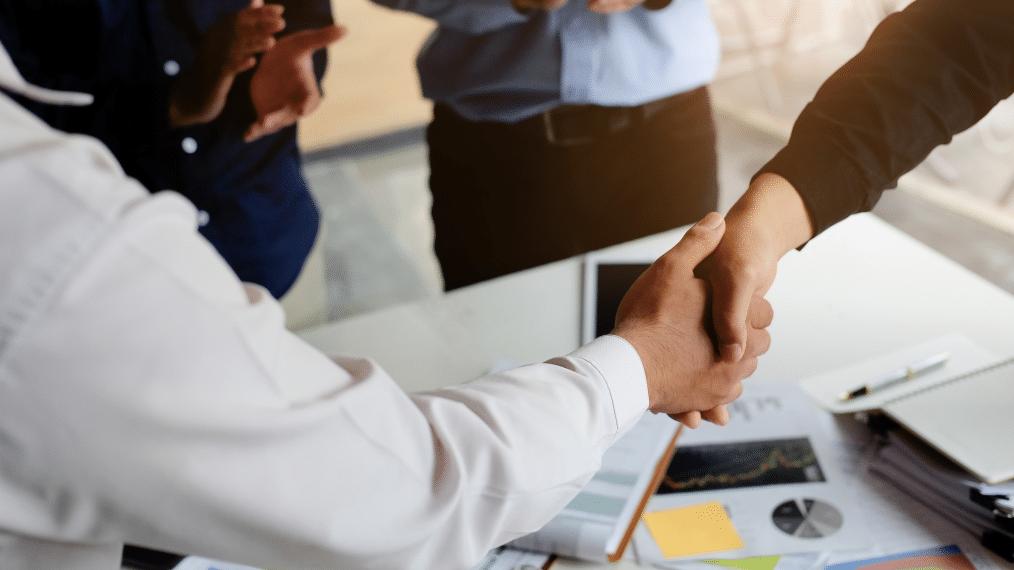 Wykorzystanie programów partnerskich do zwiększenia sprzedaży w branży e-commerce